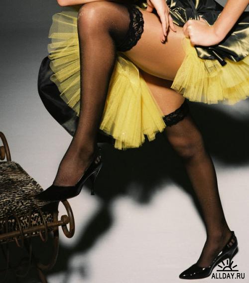 Целовать красивые ноги у женщин 12 фотография