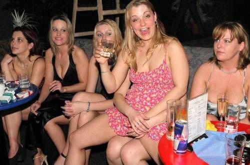 знаю, как видео пьяные пышки на вечеринке была полностью